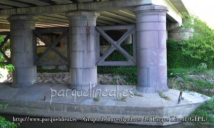 puente tren de aranjuez. Puente sobre el Manzanares.